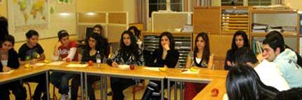 Семинар о курдах-езидах для школьников лицея