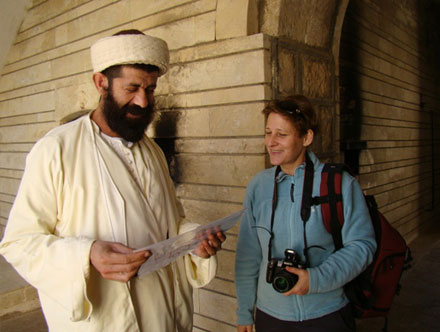 Главный редактор издательства Washingtonpost посещает Святой Лалиш
