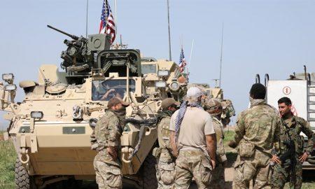 Встреча американских военных с боевиками сирийских курдов на северо-востоке страны.