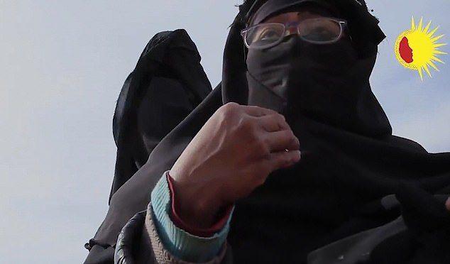 Неопознанная женщина ИГИЛ заявила, что согласно Корану, заключенные могут рассматриваться как собственность.