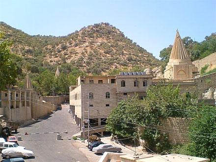 Реставрационные работы в храме Лалиш, звание или преступление?